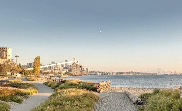 Beach photo of the neighborhood around Ivy Interbay apartments.